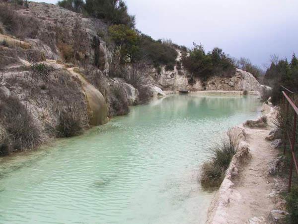 Scheda turismo con gusto - Il loggiato bagno vignoni ...